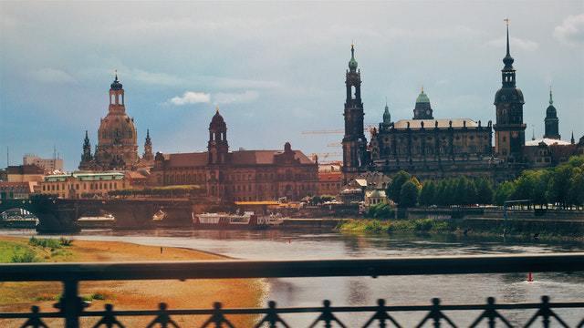 Übersetzungsdienst Dresden